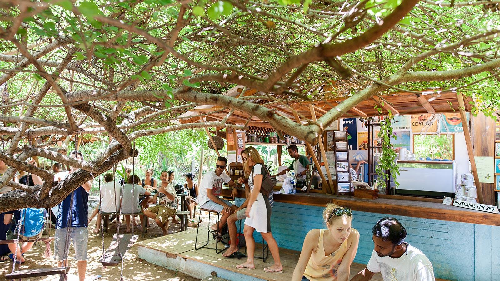 WHERE TO EAT IN ARUGAM BEACH